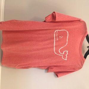 Woman's Vineyard vines t-shirt